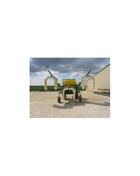 Pulvérisateur avec panneaux récupérateur pépinière