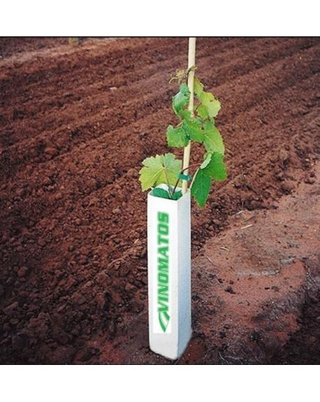 Tubes de protection pour la vigne et vergers