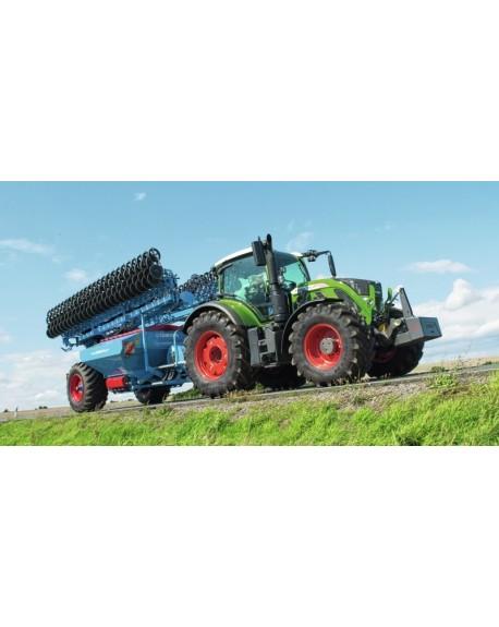 Fendt 700 Vario tractor
